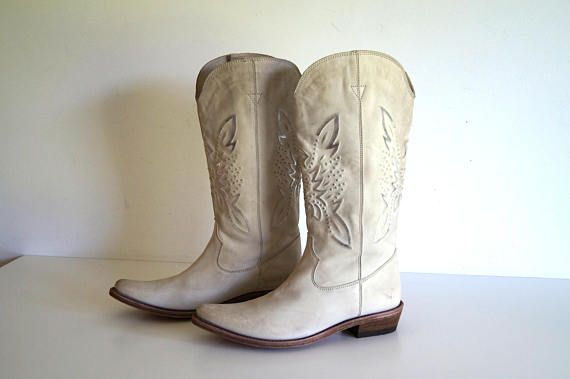 SANCHO boots Vintage handmade western boots Womens pointy