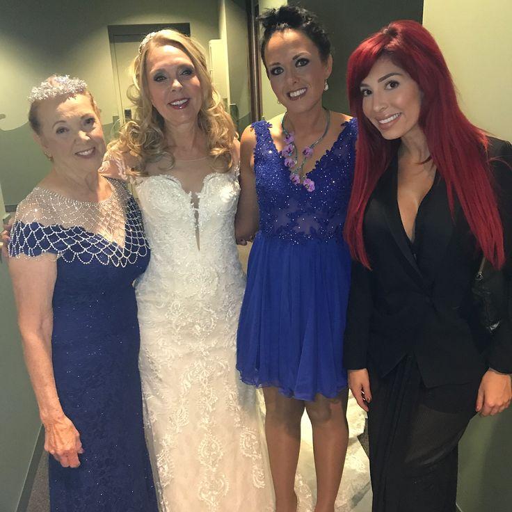 'Teen Mom' star Farrah Abraham attends mom Debra Danielsen's wedding  Farrah Abraham surprised fans on Sunday by attending her mom's wedding.  #TeenMomOG #FarrahAbraham @TeenMom