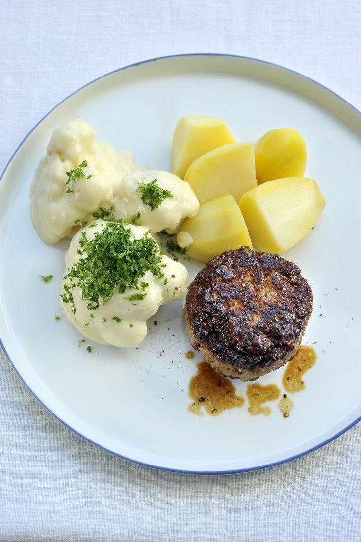 Hamburger met bloemkool in witte saus http://www.njam.tv/recepten/hamburger-met-bloemkool-witte-saus