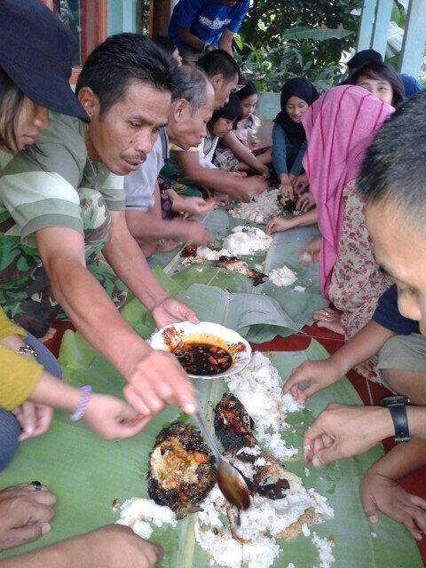 Twitter / rekasdfg: Abis mancing lanjuttt makan bersama keluarga besyarrr:-* @pulkam #pulkam5 pic.twitter.com/KpaY5wjoRX
