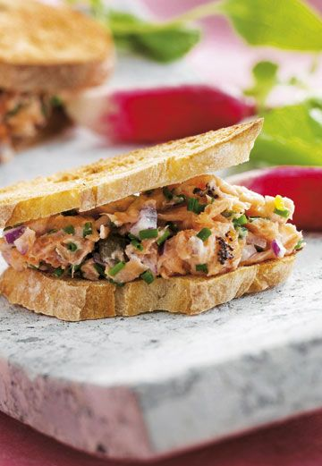 Sandwich med laksesalat