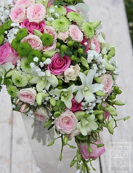Květinový ateliér V Ráji, Lázně Bohdaneč: Svatební dekorace v bílé, růžové a…