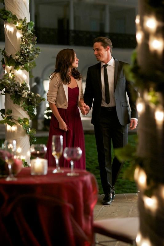 CW's Beauty and the Beast. Mid-season winter finale.