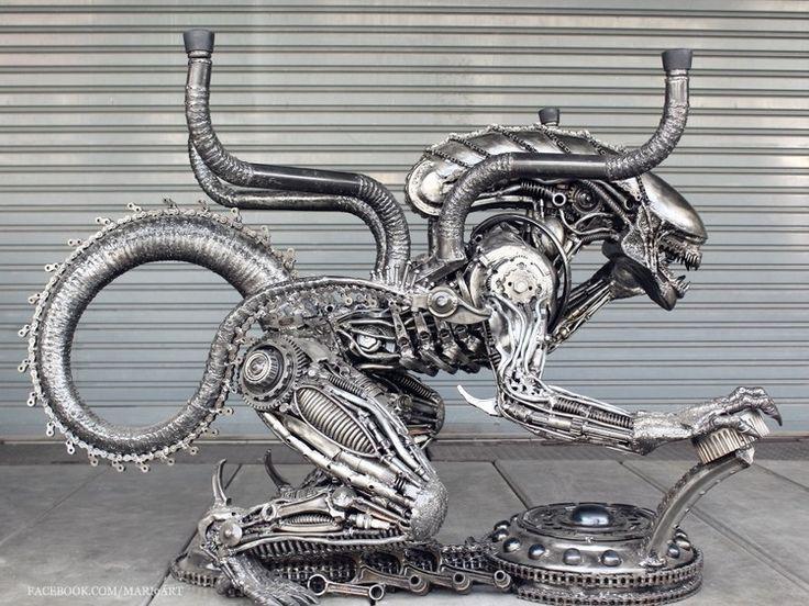 Alien figure table art sculpture - recycled scrap metal - Скульптура,  28x34x47 in ©2015 (фамилия переводится родительным или творительным падежом - прим. перев.) Mari9 art -                                                                                                Фигуративное искусство, Популярный, Модернизм, Металл, Знаменитость, Кино, metal sculpture, metal art, art sculpture, alien, table, movie, metal alien, steampunk