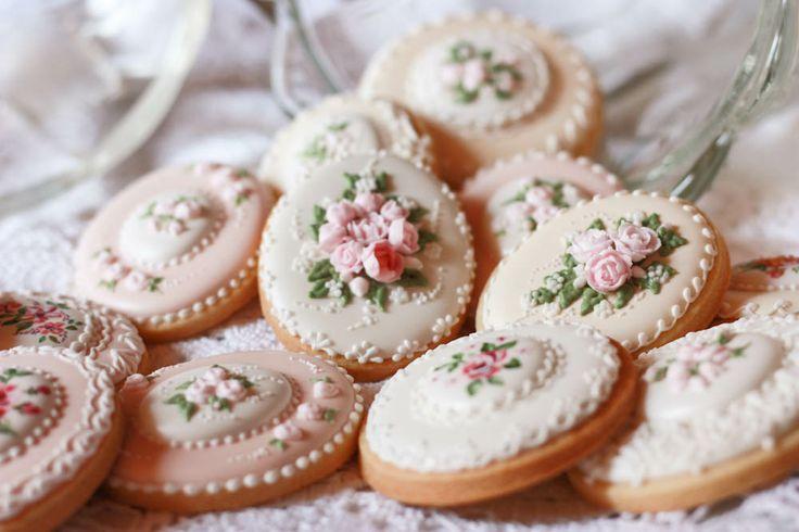 biscotti decorati in ghiaccia reale :)