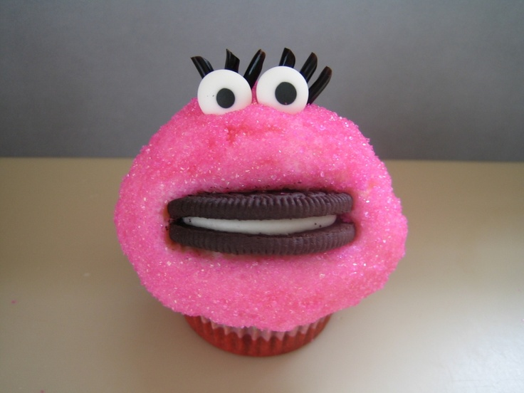 MRS Cookie Monster.  lolCookie Monster, Cookies Monsterador, Cookies Monsters Cupcakes, Cookies Monsters Adorable 3, Cookies Monsters Simply, Monster Cupcakes, Shorts, Cupcakes Rosa-Choqu