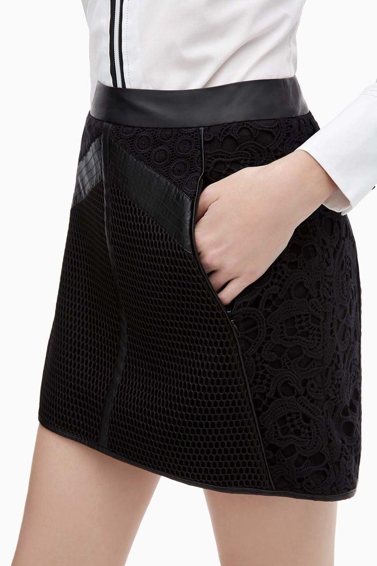 Falda recta de guipur y red - faldas y pantalones | Adolfo Dominguez shop online