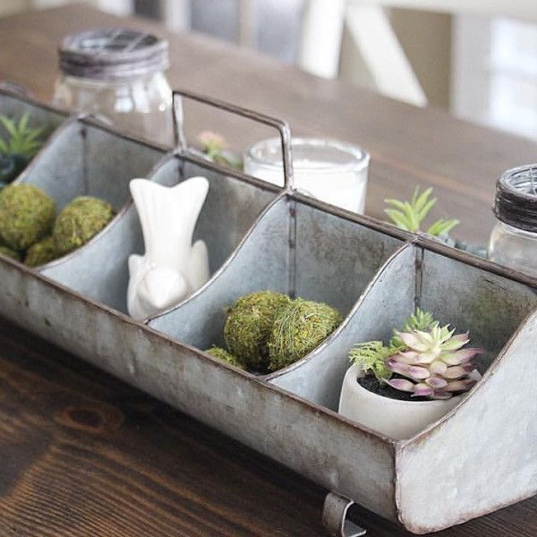 Inspired by vintage style poultry feeders, this durable metal caddy offers stylish storage for any room in your farmhouse. The Galvanized Tin Feeder Style Organizer features 10 compartments and a stur