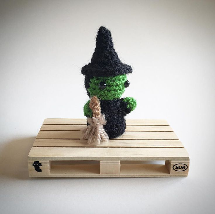 Wicked Witch of the West Crochet Amigurumi Plush @lemonyarncreations