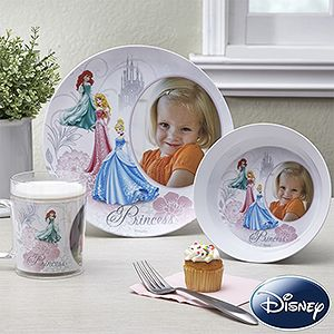 Personalized Disney Princess Plates - I LOVE this idea! It has Cinderella, Ariel and Sleeping Beauty and you can add your daughter's photo ... she'll love dinner time with these!!! #Disney #DisneyPrincess