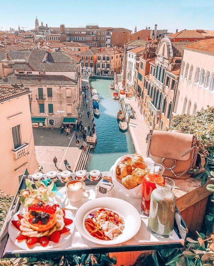 Breakfast goals in Venice, Italy – summer vibes