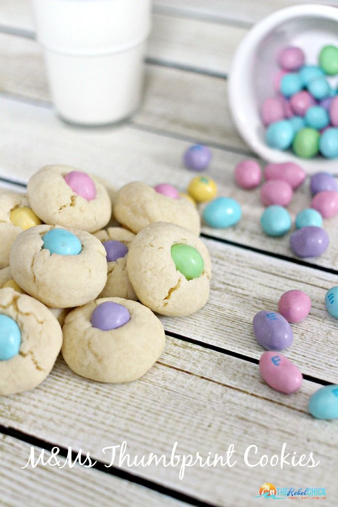 Make your #OSCARS awards party more fun with M&Ms! Try this fun M&MS thumbprint Cookies recipe! #ad