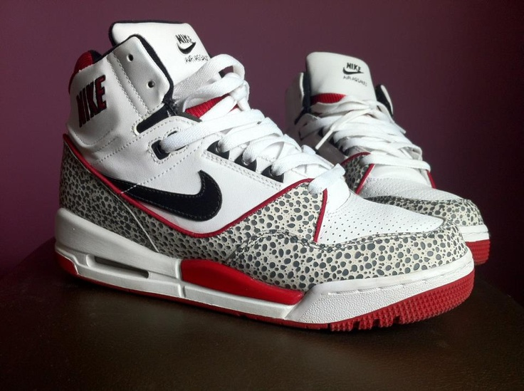 Nike Assaut Safari Red by