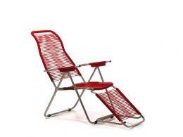 Spagettistolen är en klassisk, bekväm positionsstol i retromodell. Stolen är tillverkad i aluminium och snören i plast vilket gör den underhållsfri och tålig för väder och vind. Stolsryggen går att ställa i fyra olika lägen, fotstödet går att ställa i två lägen samt fällas upp under stolen. Spagettistolen går lätt att fälla ihop för förvaring. Tillverkad i Italien. www.alltfordintradgard.se