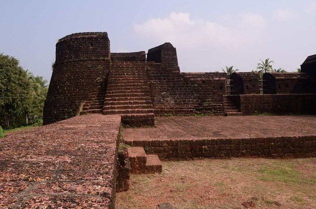Bekal Fort in northern Kerala is located on the Malabar Coast between the towns of Kanhangad and Kasargod.