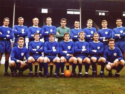 Botões para Sempre: Cartela do Leicester City Football Club - Inglaterra - 1980-81