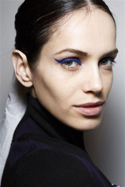 Runway Look To Try Now: Cool Graphic Liner