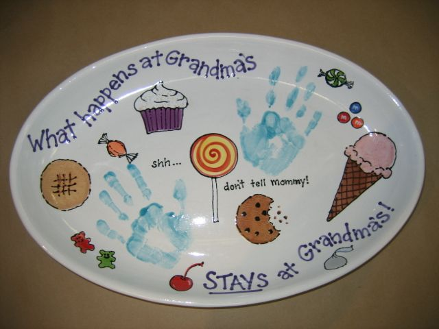 What happens at grandma 39 s stays at grandma 39 s hand for Handprint ceramic plate ideas