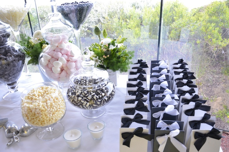 Black and white lolly bar.
