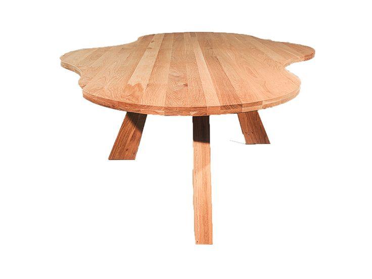 De Paris is een moderne eettafel met een bijzondere vorm. Afhankelijk van de eetkamerstoel kunnen 6-8 personen plaatsnemen aan deze tafel.