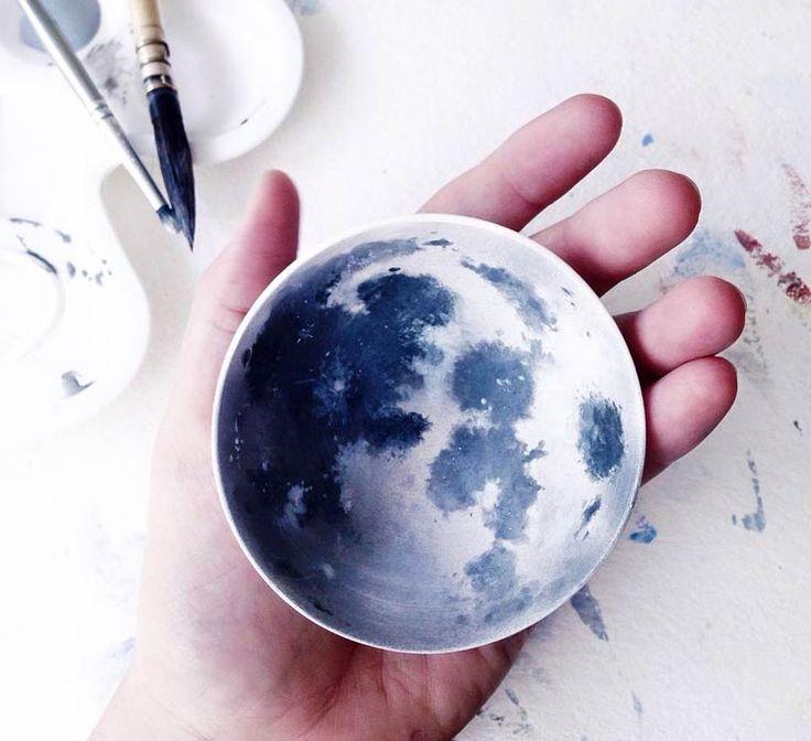 Fish and Clouds – Les superbes peintures sur porcelaine de Niharika Hukku (image)