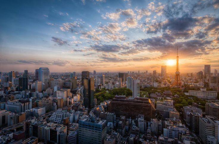 Otro precioso atardecer en la ciudad de Tokyo con el skyline de la ciudad y esos bellísimos colores en el cielo...disfrutadlo y ¡¡hasta mañana viajer@s!!