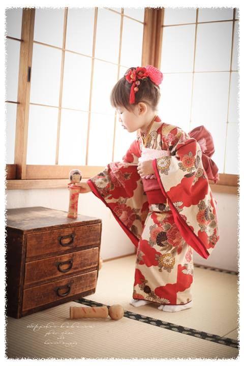Little girl dressed in kimono, Japan.