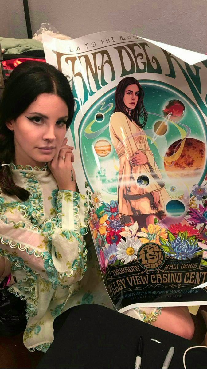 Feb.15, 2018: Lana Del Rey backstage in San Diego with the #LA_to_the_Moon_Tour poster made by Mel Marcelo #art #LDR