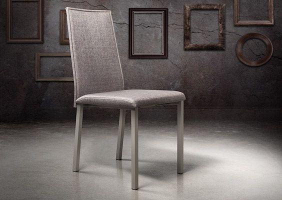 Trapezio chair by Trica furniture