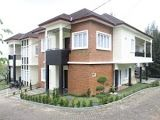 Villa Minimalis Modern Untuk Rombongan Di Lembang
