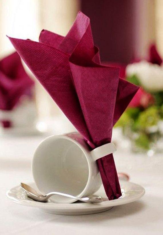 kreative tischdeko ideen für hochzeit und tischplatz eindecken mit tasse und servietten