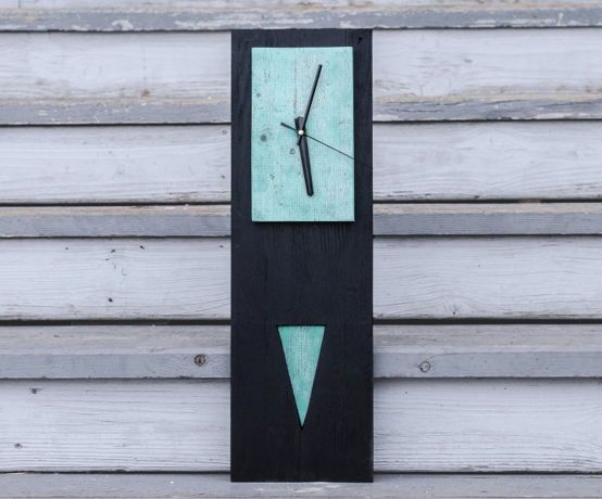Черные часы с бирюзой
