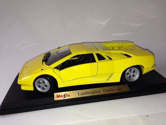 maisto 1 18 lamborghini diablo 1990 yellow detailed model die cast 33803 on etsy die. Black Bedroom Furniture Sets. Home Design Ideas