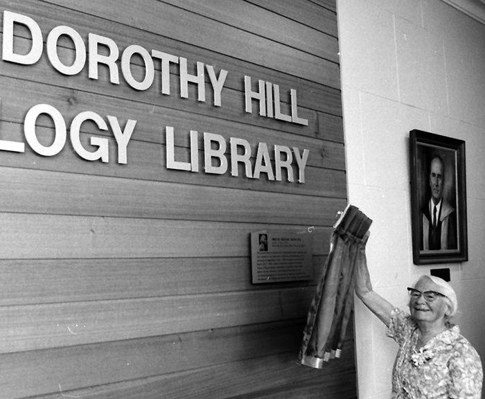 """Dorothy Hill, """"un chicazo y un ratón de biblioteca"""""""