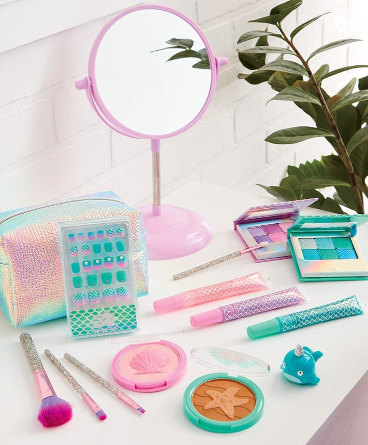 Mermaid-inspired Just Shine cosmetics for the mermaid at heart who shines inside and out.