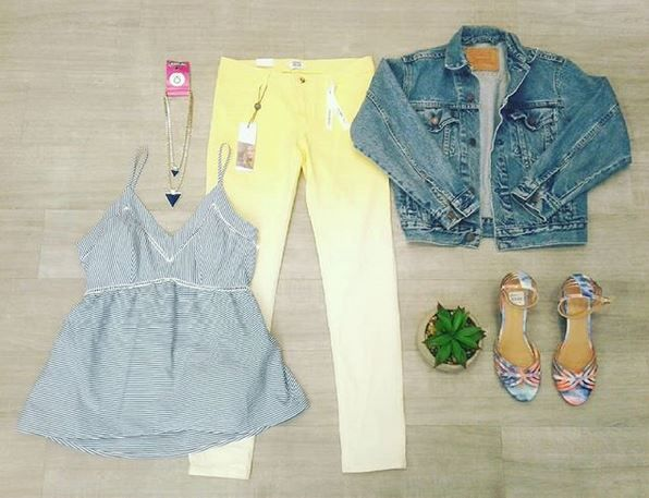 It's never too early to welcome the warm weather! Especially with an outfit like this!  Levi denim jacket-Size M-$15.00 Vero Moda yellow ombre pants-Size 27-(new with tags)-$14.00 Montego Bay sandals-Size 9-$7.00 Siena Sky tank-Size M-7.00 Blue triangle necklace-$5.00  #platoscloset #platosclosetcambridge #casual #casualshoes #casualoutfit #shoes #veromoda #ombre #ombrepants #yellow #blue #thriftyfinds #thrifting #gentlyused | www.platosclosetcamrbridge.com