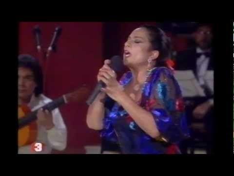 Lola Flores - Romance de los ojos verdes - YouTube