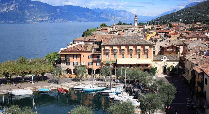 Hotel Ristorante Gardesana Torri del Benaco Hotel Ristorante Gardesana is set in Torri del Benaco, overlooking Lake Garda. It offers panoramic lake views and air-conditioned rooms with satellite TV and free Wi-Fi.  Some rooms at Gardesana have views over Lake Garda.