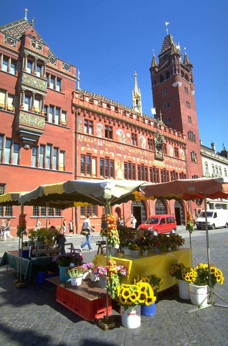 Marktplatz - Basel, Switzerland. Had lunch, some kind of Swiss sausage with some brown bread and mustard, of course. Went to Coop, bought laundry soap, then to wine and spirits shop to buy cherry liqueur. Warmed up nicely by 1:00.
