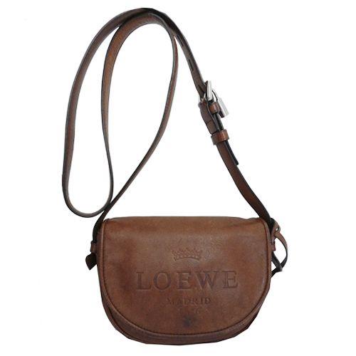 Disponible en www.Look-and-Stop.com este #Loewe, un clásico fondo de armario