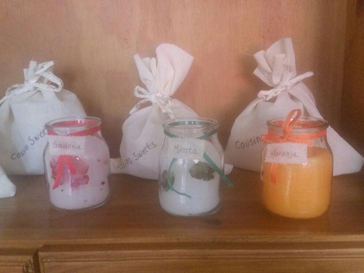 Velas aromaticas. Lavanda, gardenia, naranja y eucalipto. $ 40. Contacto cousinssweets@gmail.com