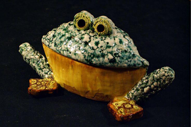 Лягушка с желтым пузом: