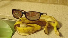 Curing Warts, Removing Splinters, and 19 Other Bizarre Uses for Banana Peels | Wise Bread