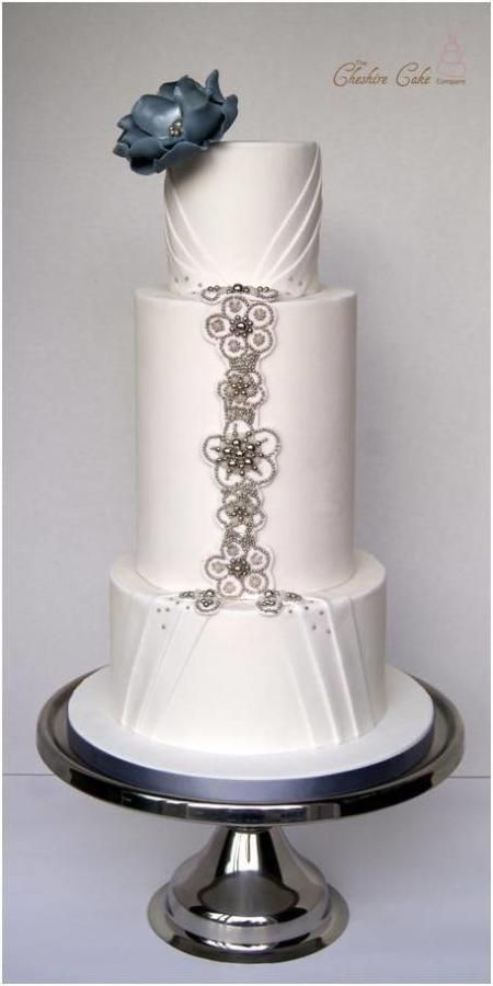 Beautiful Jewelled Wedding Cake <3