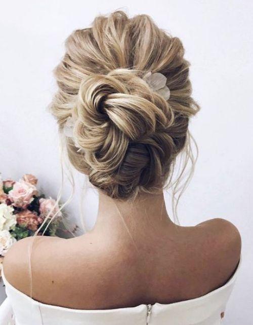 coiffure mariage cheveux mi-longs cheveux en ondulations        coiffure mariage cheveux mi-longs cheveux en ondulations