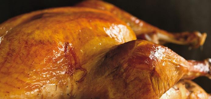 Dinde rôtie frottée au sel Recettes | Ricardo