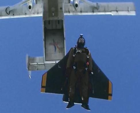46 best images about wingsuits and skydiving on pinterest parachutes skydiving and extreme sports - Military wingsuit ...