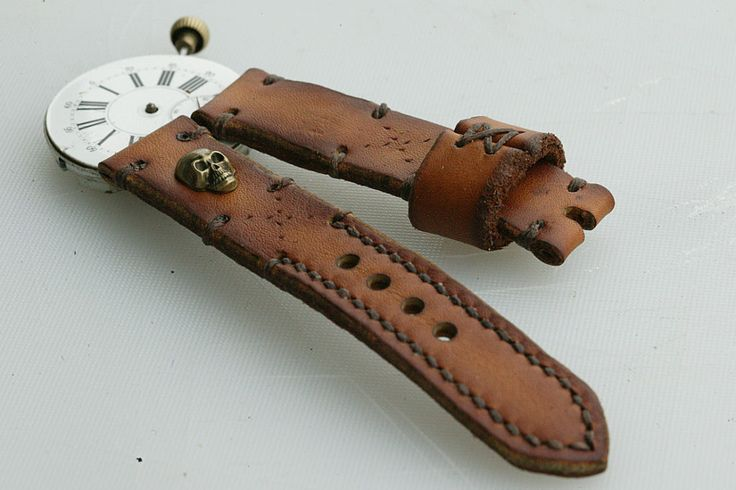 22mm natural hand made leather strap :http://zappacraft.com/index.php/product/22mm-natural-hand-made-leather-strap/