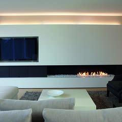 Salas de estar Minimalista por Biojaq - Comércio e Distribuição de Recuperadores de Calor Lda