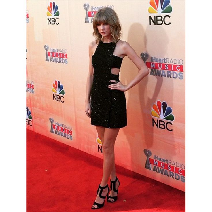 Taylor Swift e Justin Timberlake: scherzo durante iHeartRadio 2015 / VIDEO - Gli iHeartRadio Music Awards si sono svolti domenica sera a Los Angeles e tra i grandi vincitori c'è senza dubbio Taylor Swift. - Read full story here: http://www.fashiontimes.it/2015/03/taylor-swift-e-justin-timberlake-scherzo-durante-iheartradio-2015/